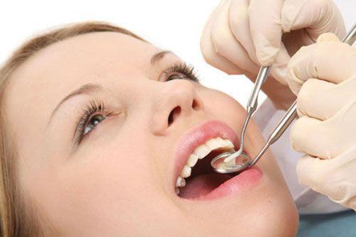 Bà bầu bị viêm chân răng có ảnh hưởng tới sức khỏe thai nhi? 1