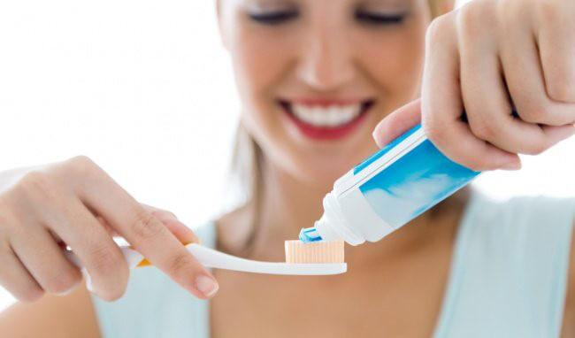 Hiện tượng bị tụt lợi chân răng - Nguyên nhân và cách điều trị triệt để 8