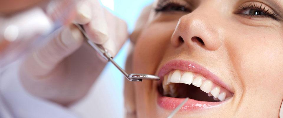 Bật mí: Lấy cao răng có ảnh hưởng gì không & NGUY HẠI như thế nào? 2