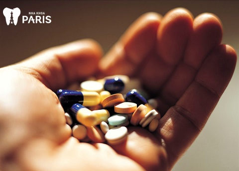 Thuốc kháng sinh chữa viêm lợi chảy máu thường dùng để điều trị khi bệnh còn nhẹ