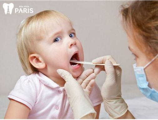 Trẻ bị hôi miệng do bệnh lý hô hấp